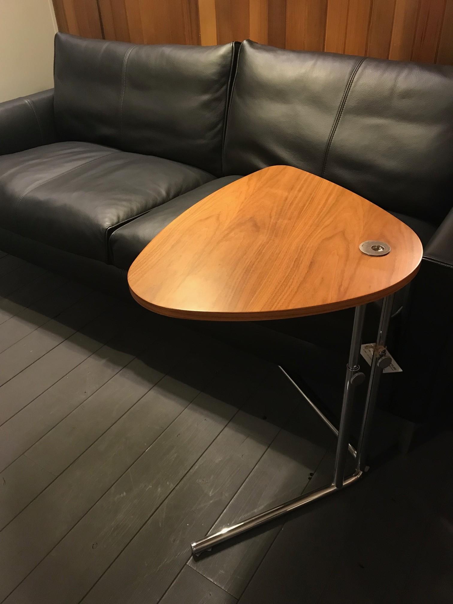 サイドテーブル9