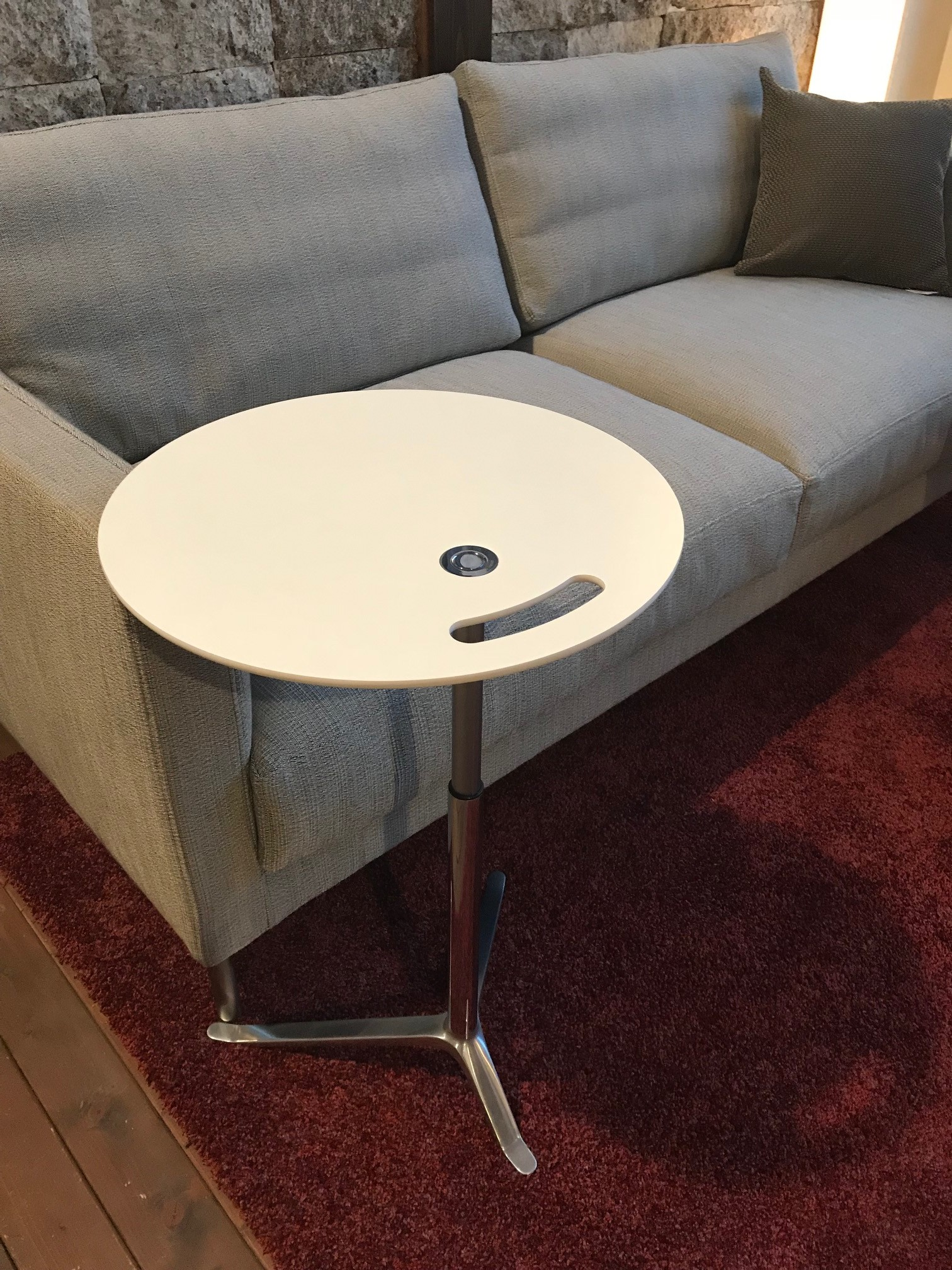 サイドテーブル11