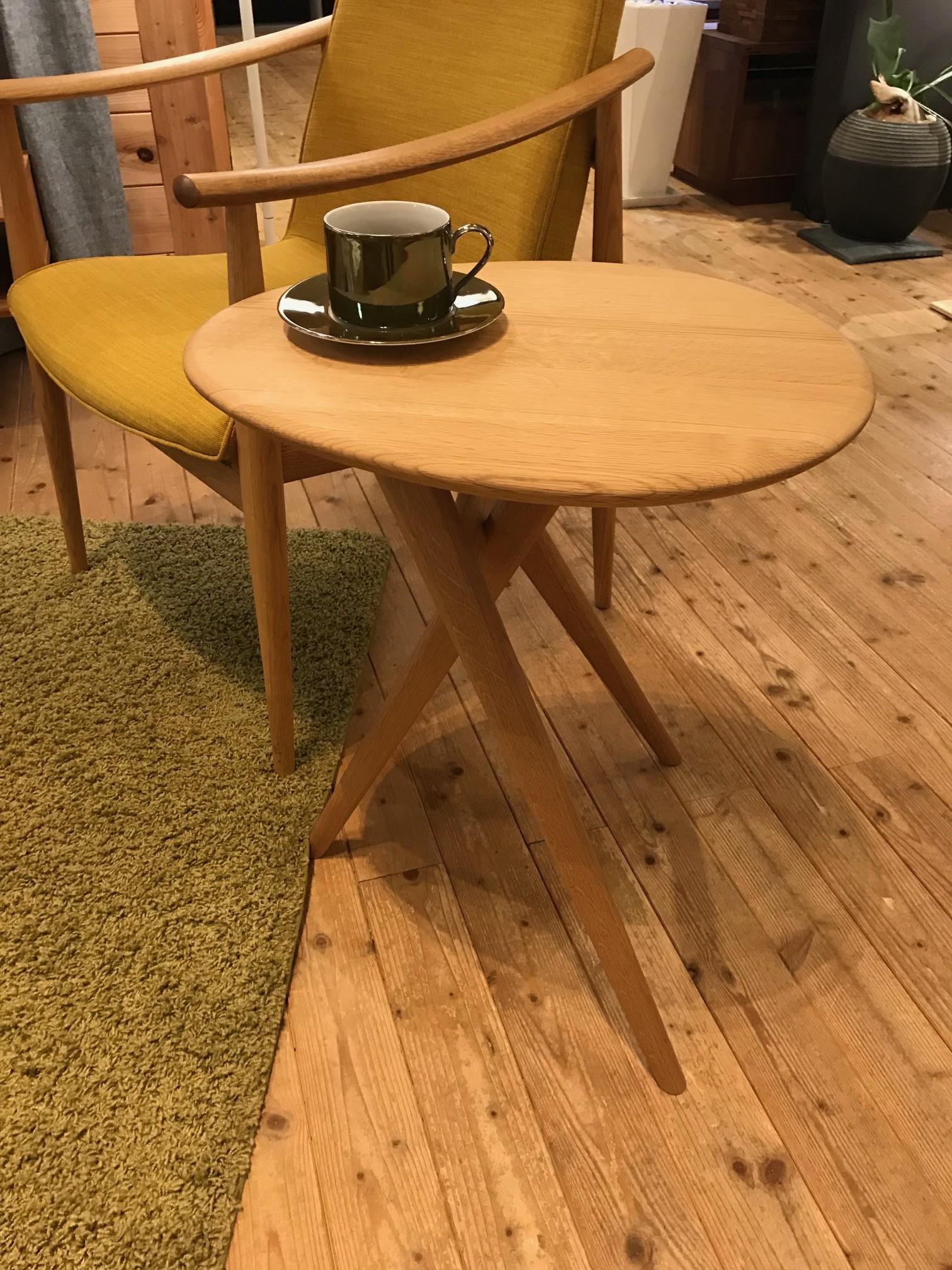 サイドテーブル12